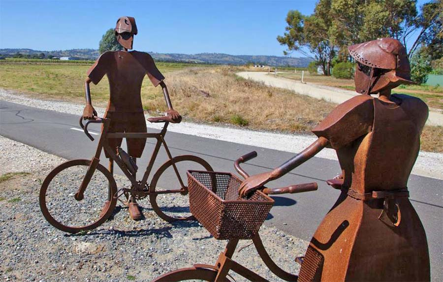 Artwork on the Angaston to Nuriootpa walking and cycling trail