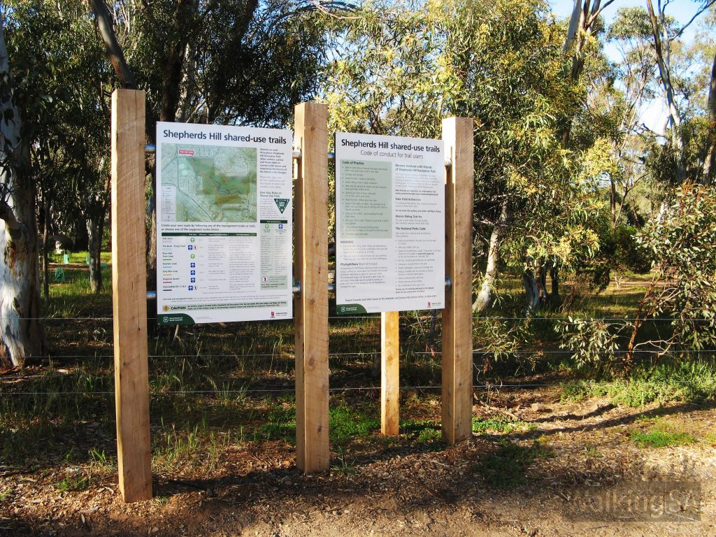 Trail signage are carpark on Ayliffes Road