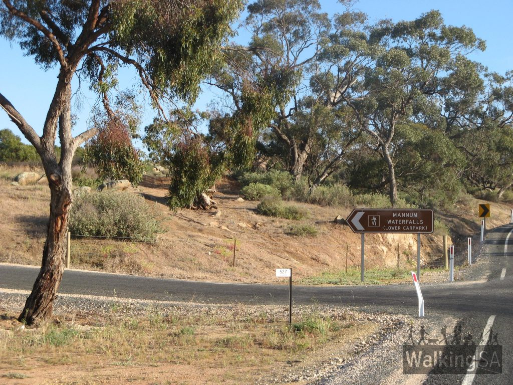 Easily found with signs from Mannum