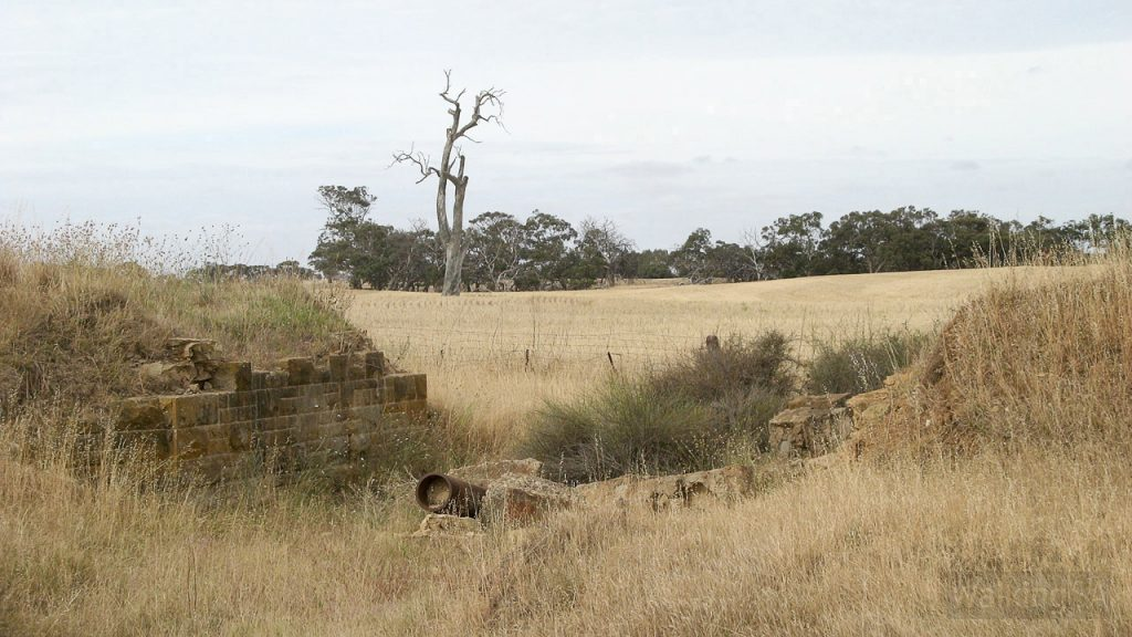 Old railway bridge on the Nurragi Conservation Reserve Walking Trail