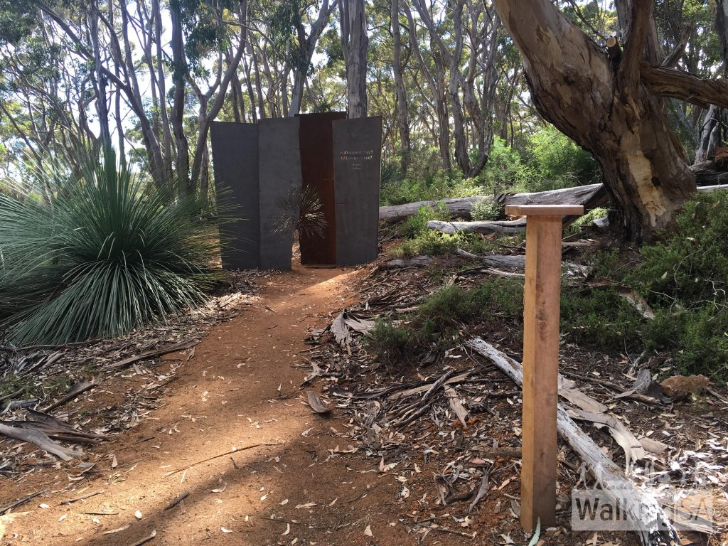 The finishing trailhead near Kelly Hill Caves. You can use the pole on the right to place cameras