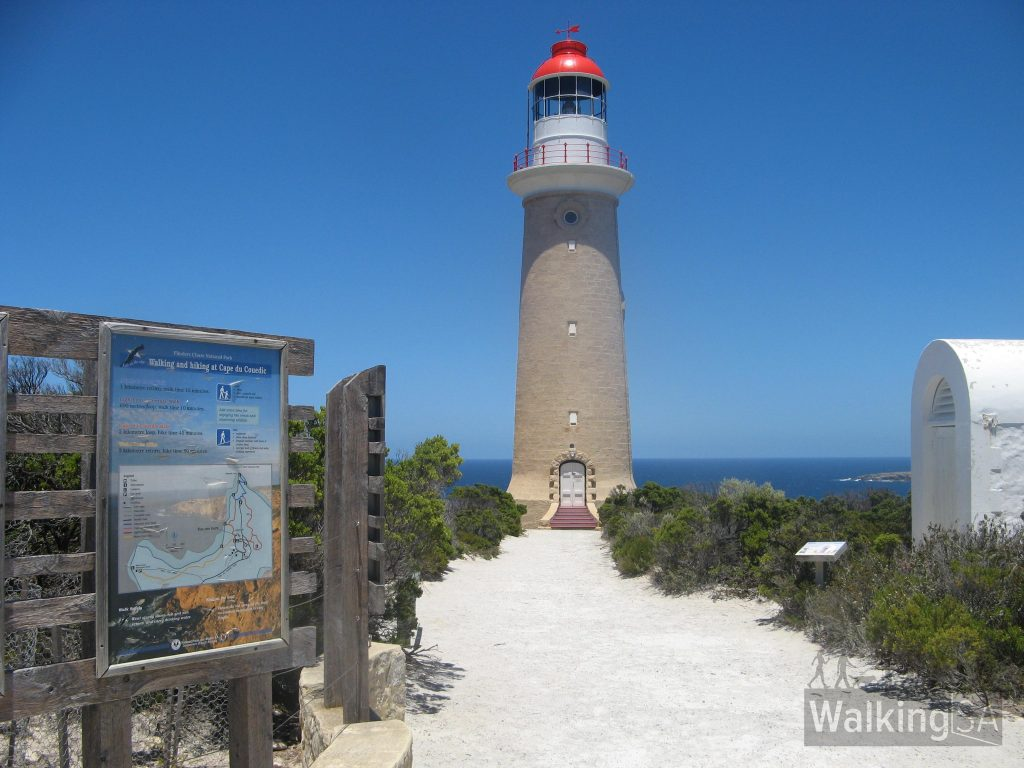 The trailhead information for all the walking trails is near the upper carpark, toilets and lighthouse