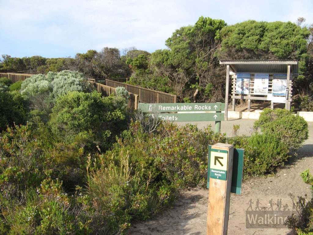 Trailhead in carpark at Remarkable Rocks