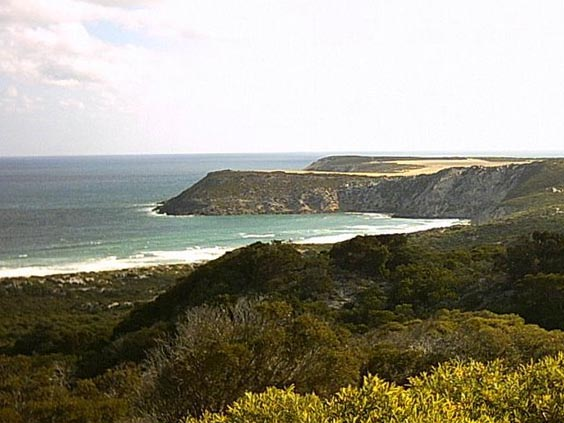 Views from Prospect Hill Lookout to Pennington Bay. Photo by Wikipedian (https://www.panoramio.com/photo/17784358)