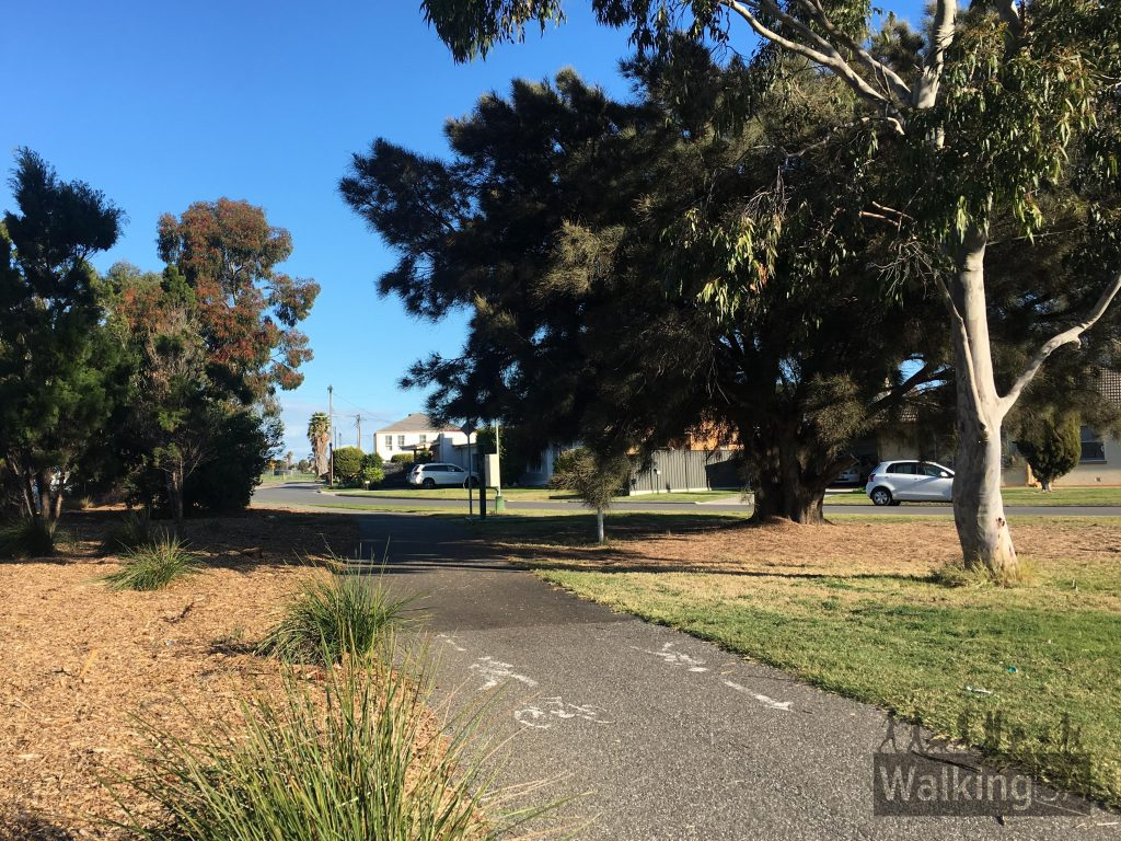 "The Reece Jennings Bikeway follows a busy arterial road, and as such isn't as quiet as the nearby <a href=""//www.walkingsa.org.au/walk/find-a-place-to-walk/captain-mckenna-pathway/"">Captain McKenna Pathway</a> and <a href=""https://www.walkingsa.org.au/walk/find-a-place-to-walk/anna-meares-bike-path/"">Anna Meares Bike Path</a>."