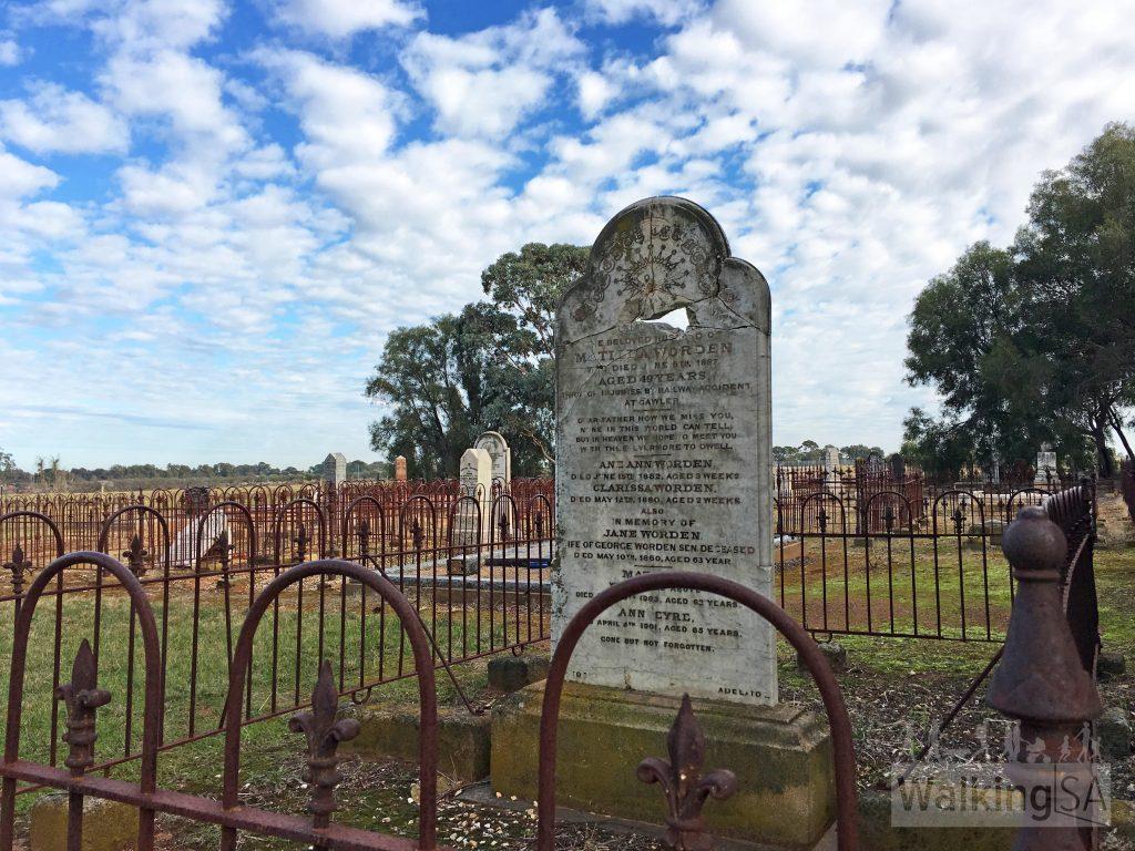 The Zoar Cemetery alongside the Stuart O'Grady Bikeway. The adjacent Zoar Bible Christian Chapel was demolished in 1956.