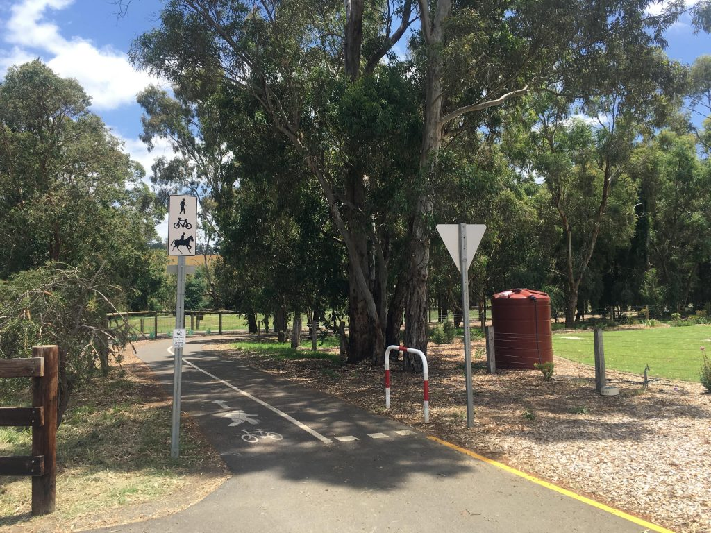 Amy Gillett Bikeway is a shared-use path, used by cyclists, horse riders and walkers