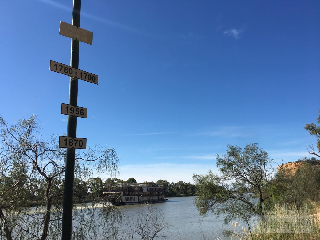 Flood level markers on the Wilabalangaloo Trail