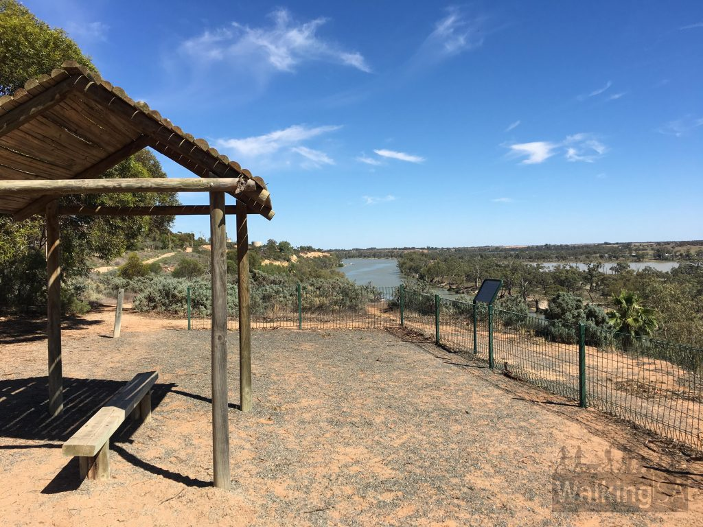 Views from the Waikerie Clifftop Walk lookout