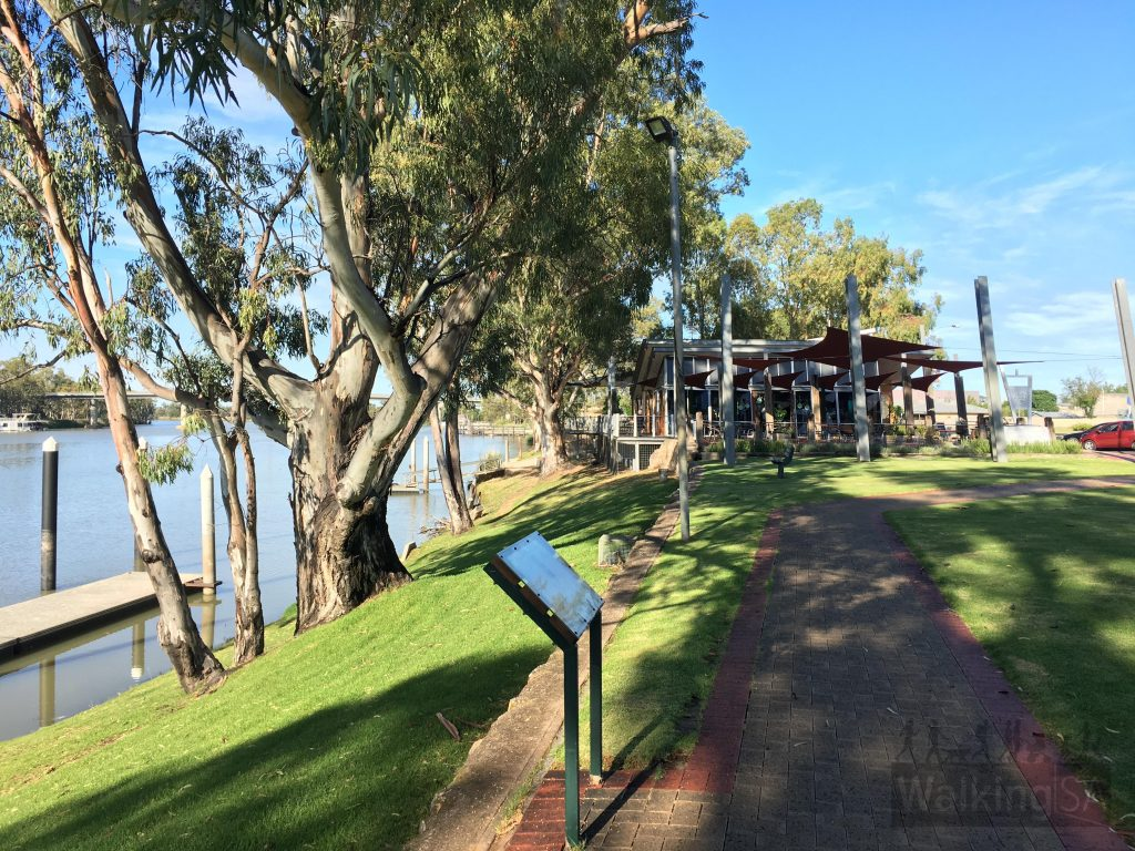 Walking the Walking the Berri Historic Riverfront Walk towards the cafe