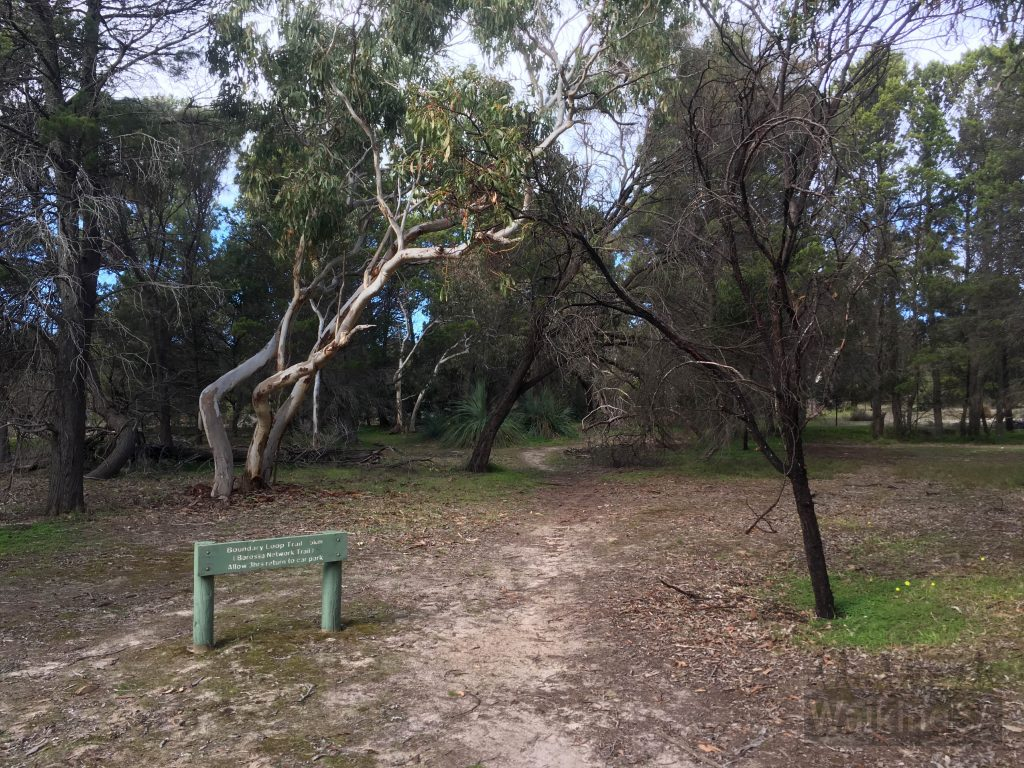 The trailhead of the Boundary Walk in the Northern carpark