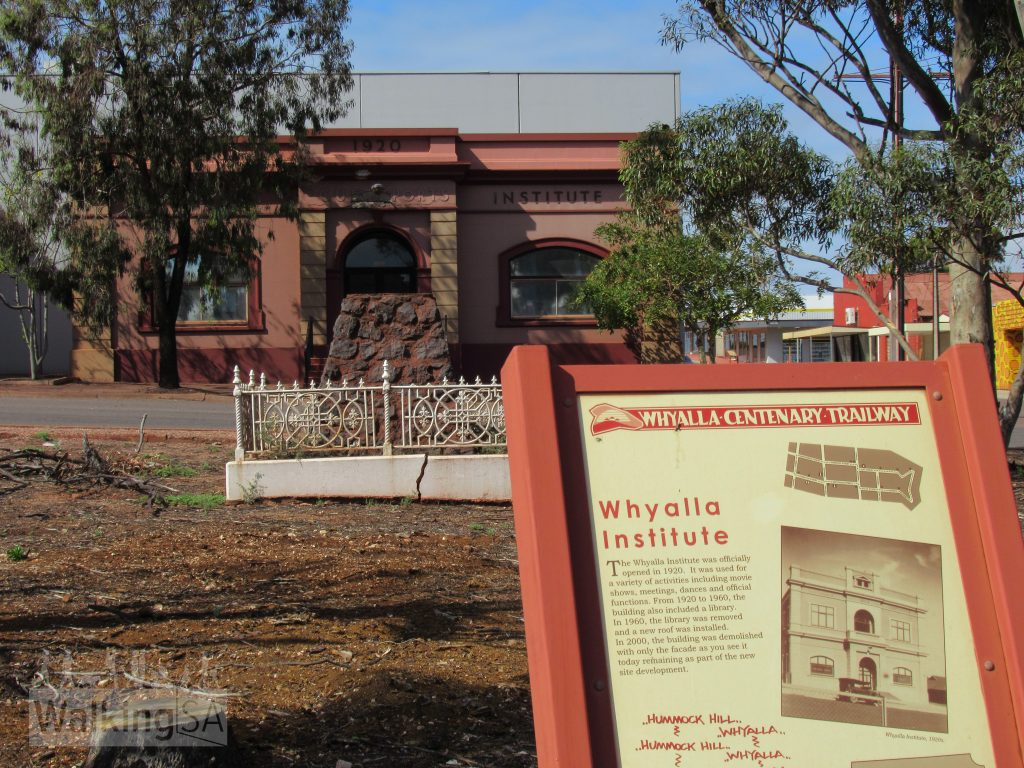 There are interpretive signs outlining history of the settlement, industrial history, natural and maritime heritage, and the city's architecture