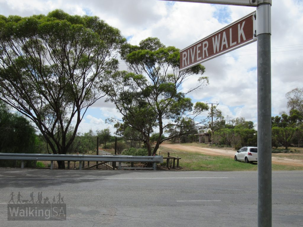 You can start the River Walk on the corner of River Terrace and Barr Street