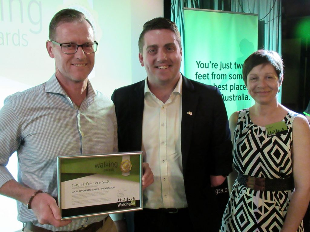 Tim Heath, City of Tea Tree Gully (L) with Matt Cowdrey MP, Member for Colton and Tuesday Udell, Walking SA Chair.The City of Tea Tree Gully won a Walking Award: Local Government Award – Organisation for is expanding the Heart Foundation Walking Campaign across their community.