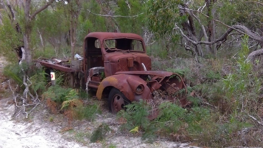 An old truck on the common part of the Currawong Loop and Banksia Loop