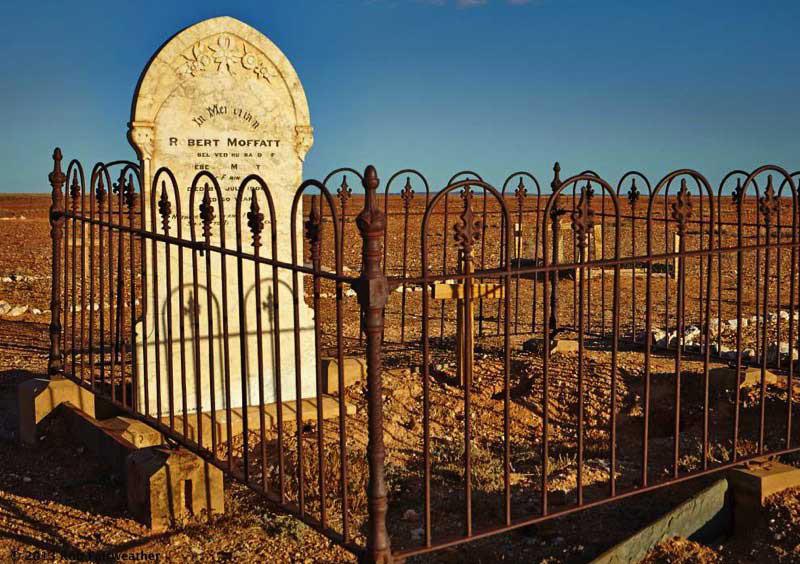 Robert Moffatt's grave in the Farina cemetery
