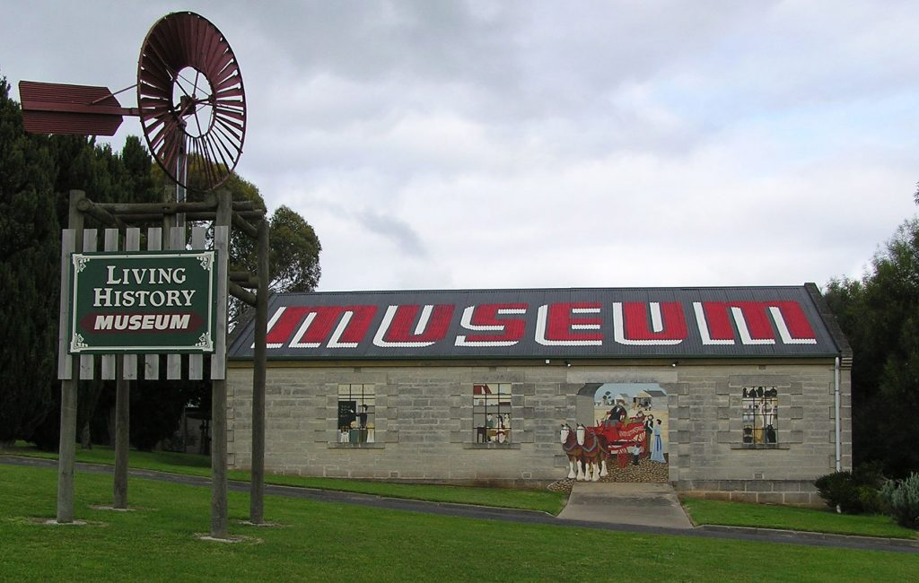 The Millicent Living History Museum features the largest collection of horse drawn vehicles in South Australia. The museum also includes a T-class locomotive, shipwreck